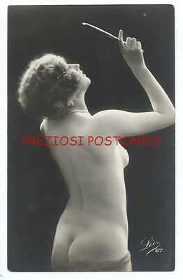 RPPC - Lovely BACK View FRENCH NUDE WOMAN Checks MIRROR - LEO 87