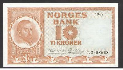 NORWAY  10 KRONER  1969 (RARE DATE)  Prefix T UNCIRCULATED P. 31