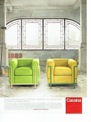 PUBLICITE ADVERTISING 126  2011  Cassina fauteuils LC2  par Le Corbusier