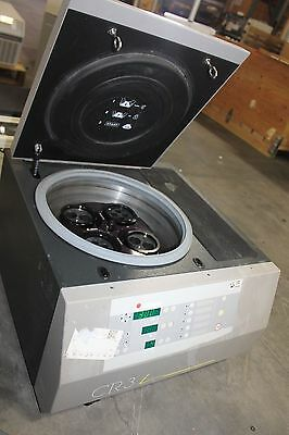 Jouan Cr3I Centrifuge Working With Rotor