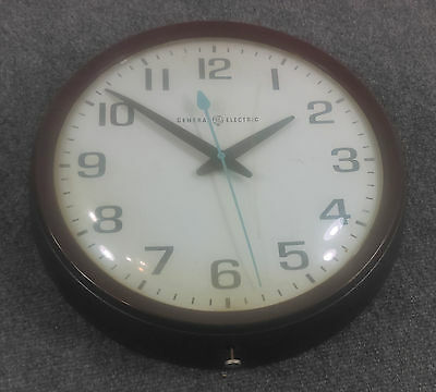 Vtg GE General Electric Industrial Schoolhouse Wall Clock 14 Glass Plastic Works