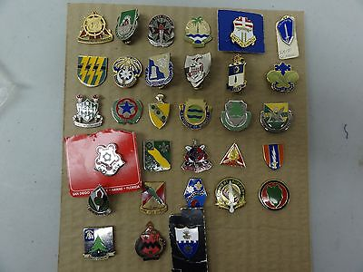 Military Crest Insignia Di Dui Lot Set Of 31 Different Us Army Airborne Infantry