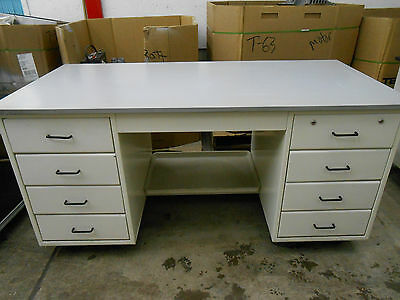 "8 Drawer Lab/work Bench/table With 1"" Gray Composite Top On Wheels"