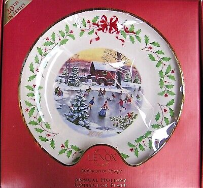 LENOX 2010 HOLIDAY PLATE Holiday Skaters NEW in RED Box