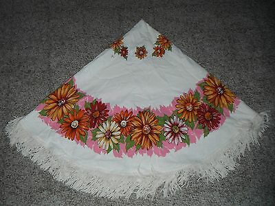 Vintage/Retro 70's Bold Pink Floral Fringed Tablecloth 60 Round