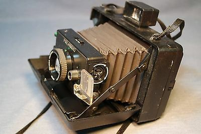 POLAROID EE 100 Special Bellows Instant Film Camera Excellent Condition Clean