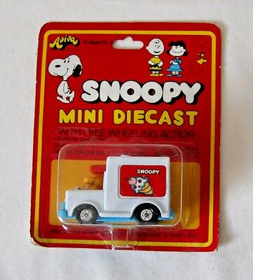 Snoopy Mini Diecast #2030 Woodstock in Ice Cream Truck New Aviva vintage 1972
