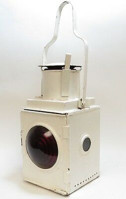 Br(W) White Painted Railway Tail Lamp, With Red Bullseye Lens And Reservoir (A3)