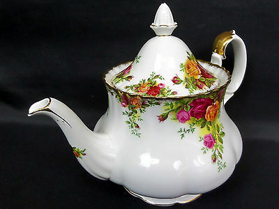 OLD COUNTRY ROSES LARGE TEAPOT, 8-9 CUPS, 1st QUALITY, GC, 1962-73, ROYAL ALBERT