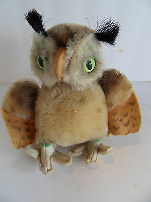 Steiff owl miniature mohair button and flag made in Germany 1708