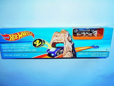 Hot Wheels  Cobra Cave  Mattel Dnn77