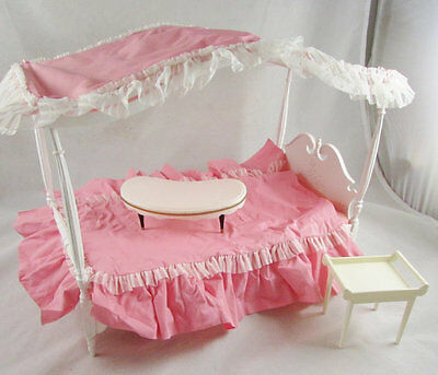 Susy Goose Canopy Bed with Bed Tray Bedding Mattress Barbie Vintage 1964