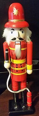 "CHRISTMAS NUTCRACKER:15"" FIREMAN W/ HOSE & FIRE HYDRANT Fire fighter"