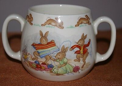 Royal Doulton Bunnykins 2 Handled Cup Knitting Family Fun - New Condition