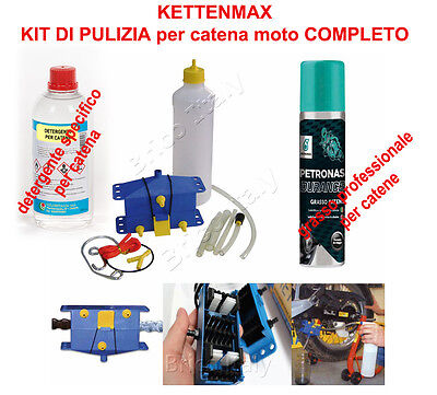 Complete cleaning kit and motorcycle chain lubrication