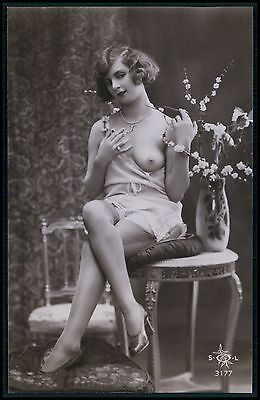 d French nude woman Ikebana flowers original c1910-1920s photo postcard SOL 3177
