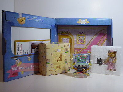 Cherished Teddies Julia Bearon Charter Members Only 2000 Gift Set With Lapel Pin