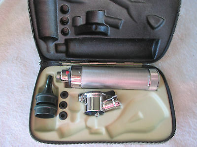 Welch-Allyn Otoscope / Opthalmoscope With Two Tips and Original Case