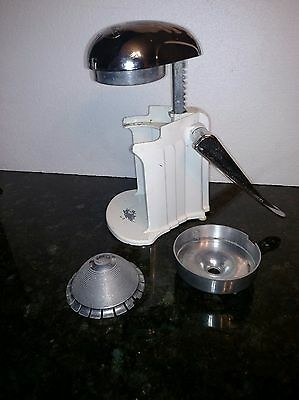REDUCED Juice O Mat, White and Chrome, Cat# 462-C, Manual Juicer  , USA Vintage