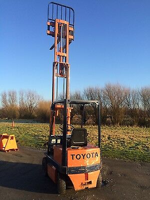 Toyota Electric Forklift Truck Fully working condition 4.3 metre mast Fork lift