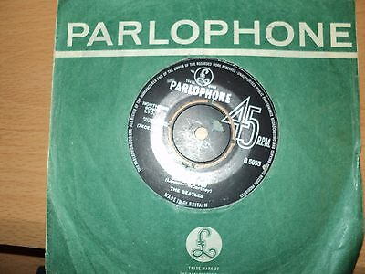 """The Beatles  """" She Loves you"""" """" 7 inch single Parlophone  label  1st issue"""