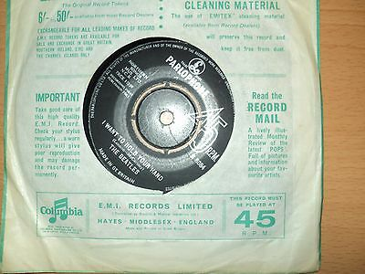 """The Beatles  """" I want to hold your hand"""" 7 inch single  Parlophone Label"""