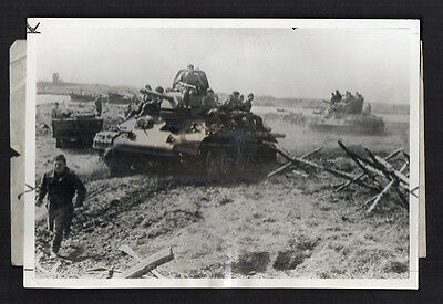 Vintage 1944 Photo WWII U.S.S.R. RED ARMY Tank & Finnish Troups
