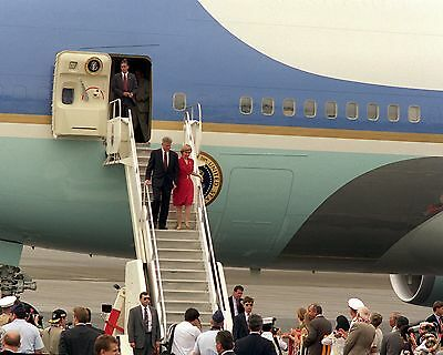 President Bill Clinton and Hillary Clinton exit Air Force One - New 8x10 Photo