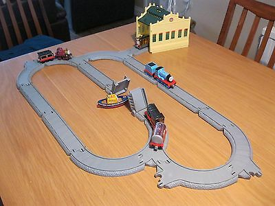 Take Along N Play Thomas The Tank Engines And Track