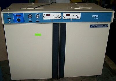 VWR SCIENTIFIC CO2 INCUBATOR,MODEL VWR-1830,Dual Chambers Dual Controls Benchtop