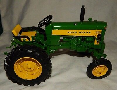 Dubuque John Deere 330 Wide Front Tractor Die Cast Toy 3 point 1/16 scale Green