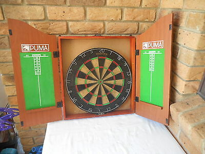 The King Of Arms - Good Dartboard Cabinet With Thick Quality Unicorn  Dartboard