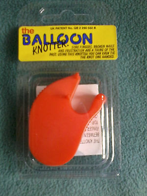 Plastic Balloon knotter.Tie your balloons quickly and expertly.All celebrations.