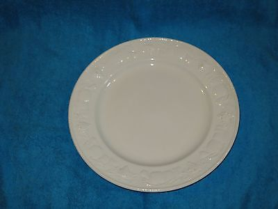Barratts White Strawberry Vine Similar To Bhs Lincoln Large 10.75 Dinner Plate