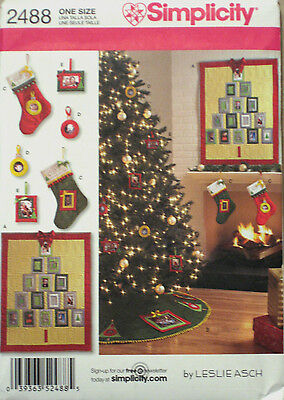 Simplicity Christmas Decorations Tree Skirt Stocking Picture Quilt Pattern 2488