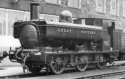Photo GWR 0-6-0T No 2051 seen at Swindon Works Yard on 3/3/35