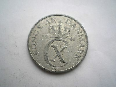 EARLY WW11 -5 ORE COIN FROM DENMARK DATED 1941 nice