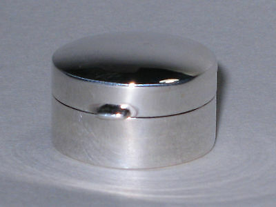 New Pill /Snuff box Sterling silver Round shape 6.5 Gr