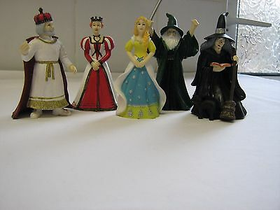 5 toy figures sue ryder care