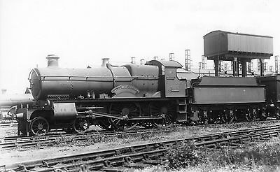 """Photo GWR """"County"""" 4-4-0 No 3814 """"County of Chester"""" at Reading shed yard 1932"""