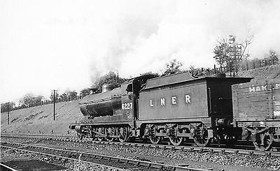 Photo LNER Class O4 No 6227 at Dukeries Junction on 8/5/46