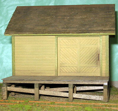 SMALL FREIGHT HOUSE S Sn3 Railroad Structure Craftsman Unptd Wood Kit CM58925