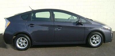 2010 Toyota Prius Base Hatchback 4-Door 2010 TOYOTA PRIUS II HYBRID 1OWN ACCIDENT FREE SMOKE FREE NOT HONDA NO RESERVE!