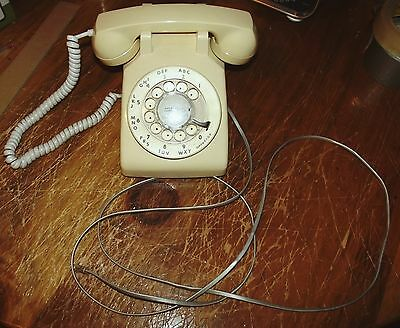 Old Dial Telephone in Beige Works