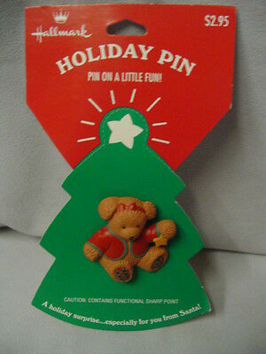 """Hallmark Cards Pin Plastic Bear Red Jacket With Star 1.75""""x1.75"""" Mint On Package"""