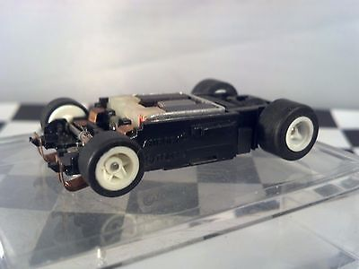 Tomy AFX Aurora 1 Turbo Wide Bar Magnet White Wheel HO Scale Slot Car Chassis