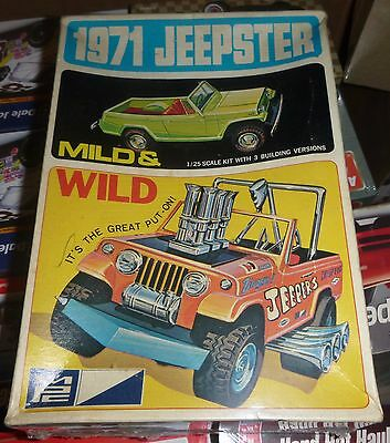 MPC 1971 JEEP JEEPSTER VINTAGE 1/25 Model Car Mountain FS 7120-225 MILD WILD
