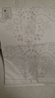 2 Vintage Madeira Pecale Pillowcases Label Unused  Embroidery Cutwork Flowers