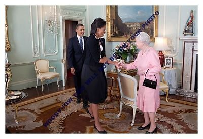 mm655-Queen Elizabeth welcomes President Obama & wife to Palace-Royalty photo6x4