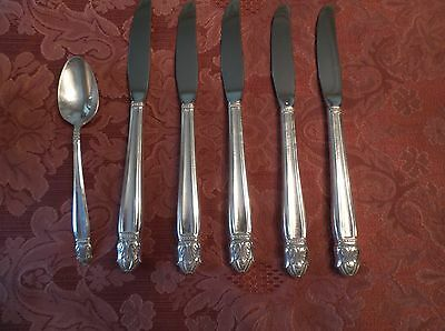 "5 Grill Knives 1 Teaspoon, Holmes & Edwards Silver Plate ""Danish Princess""  1938"